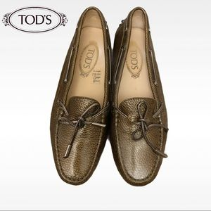 Tod's Gommino textured loafers Metallic Loafers 38